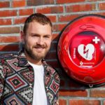 Jeroen Zoet doneert AED aan 1894!